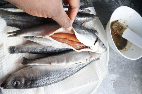 herring - fish - recipe - sustainable - african - spicy - oven - fried - sawa -easy - ijebu - garri - homemade - recipe