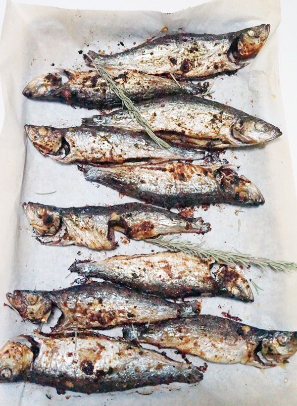 herring - fish - recipe - sustainable - african - spicy - oven - fried - sawa -easy - ijebu - garri - homemade - recipe