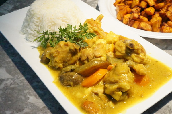 Chicken curry fried plantain